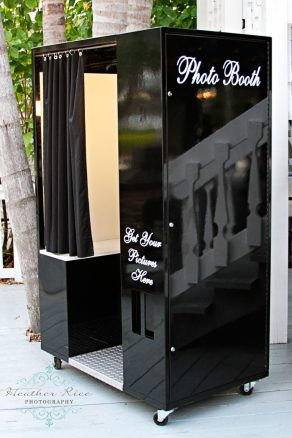 Classic Black Photo Booth