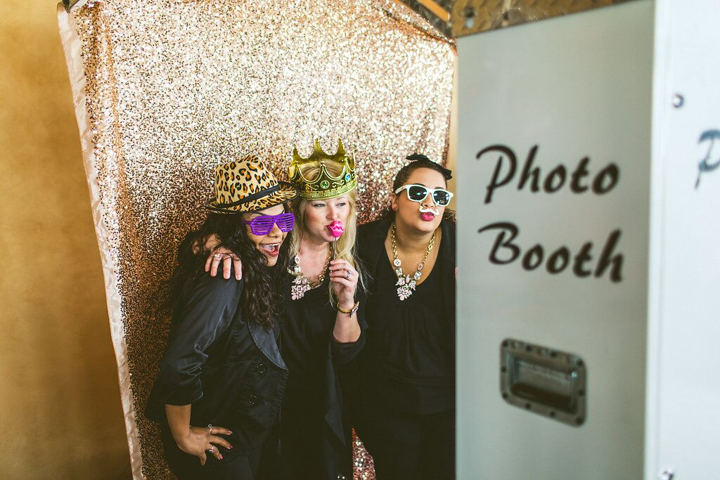Bella Bliss Wedding Showcase white printz photo booth with gold glitter backdrop