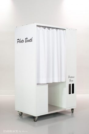 Classic White Photo Booth